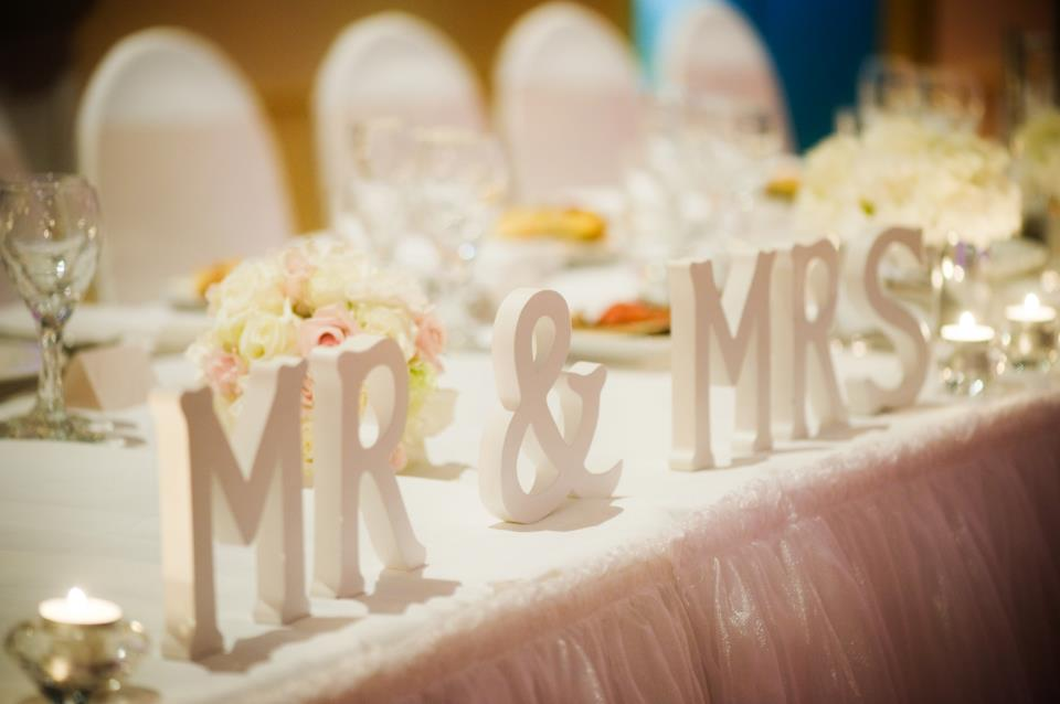 Mr & Mrs - Individual Ivory Wooden Letters
